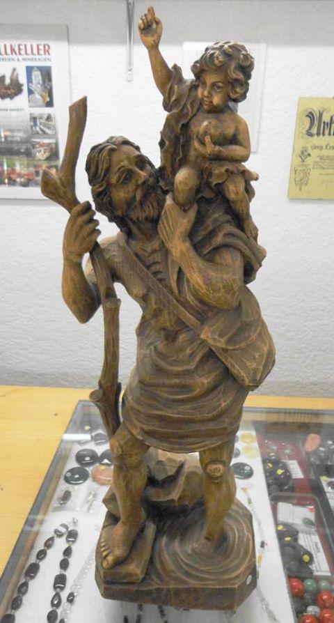 Hl. Christopherus aus Pressholz 58cm/19cm/14cm Preis € 70,-