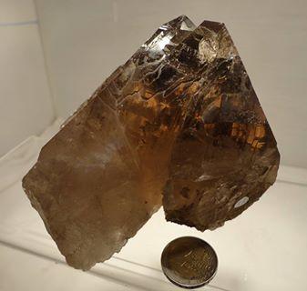 Rauchquarz aus dem Habachtal 885g   9,5cm hoch/ 11cm breit/ 9cm tief VP €89,-